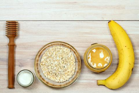 Face mask from oatmeal, yogurt, banana and honey Photo