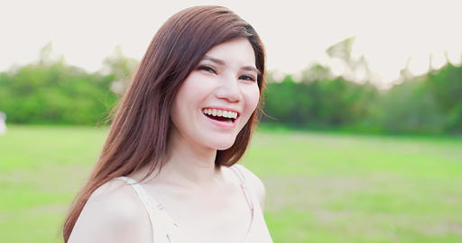 woman smile happily Live影片