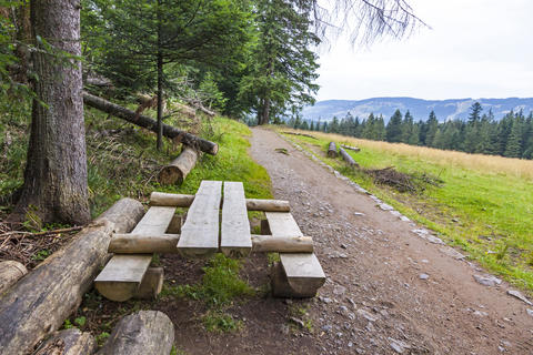 Wooden bench and table for relax during the hiking Fotografía