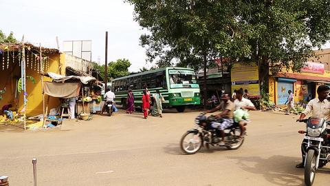 Local bus moving the station, Local bus station Live Action