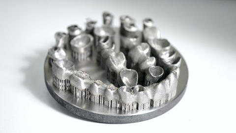Dental crowns printed on metal 3d printer laser sintering machine ビデオ