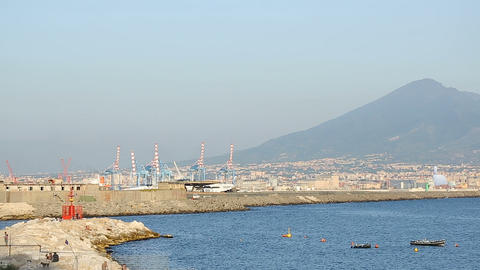 Amazing view of port of Naples with Vesuvius mount in the background, panorama ビデオ