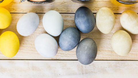 Easter eggs ビデオ