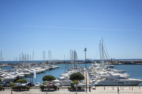 Luxury Luxury Yachts in the Port of the Mediterranean Coast Fotografía
