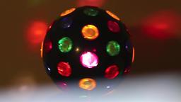 Multicolored ball turning & white transition 2 ビデオ