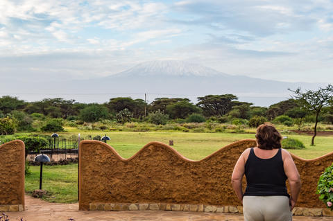 Morning glance at Kilimanjaro Mountain from the terrace Fotografía