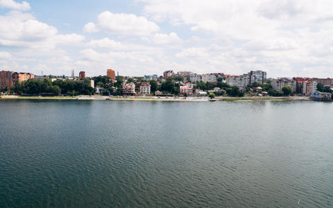 Aerial View of beautiful green city, the embankment and the blue lake . Ternopil Fotografía