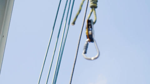 Safety rope for base jumping Live Action