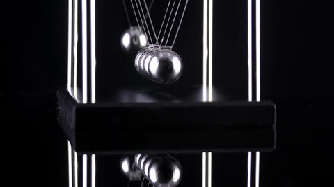 Newton's Cradle Slow Motion ビデオ