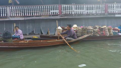 damoen saduak floating market in thailand Footage