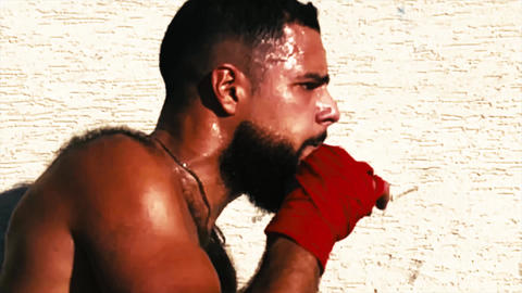 Boxer into a training course - actor arabic / latino Live Action