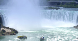 4K Niagara Falls Establishing Shot with Tour Boats in Foreground Footage