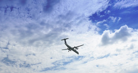 4K Airplane Lands in Toronto Footage