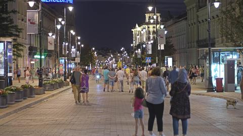 WARSAW, POLAND - AUGUST 4, 2018. Crowded pedestrian street in city centre in the フォト