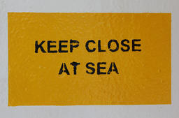Keep Close At Sea Sign フォト
