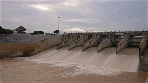 Floodgate of the dam that is open to drain,Location Pa Sak Jolasid Dam, Lop 영상물