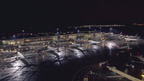 Vancouver, BC, Canada - October 16, 2017: Timelapse of early morning departures Archivo