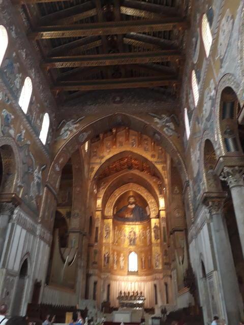 Inside Monreale Church Sicily フォト