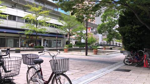 自転車と建物 ライブ動画