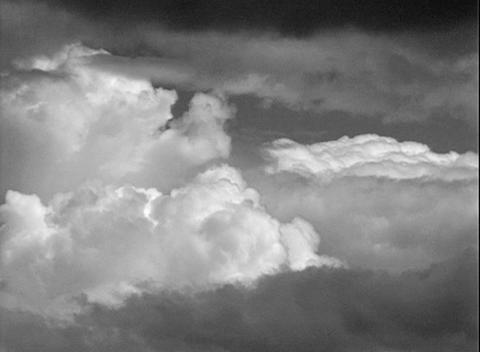 DV00027 mystik wolken1SW Stock Video Footage