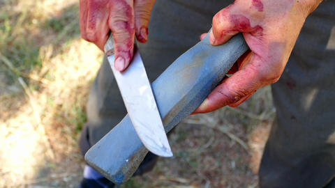 Manual blade sharpening,knife sharpening with stone, manual blade sharpening Live Action