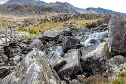 The waterfall and in Ogwen Glen - Wales - UK フォト