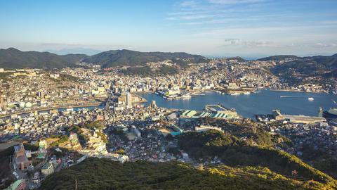 Timelapse video of Nagasaki city skyline in Nagasaki, Japan time lapse 4K ビデオ