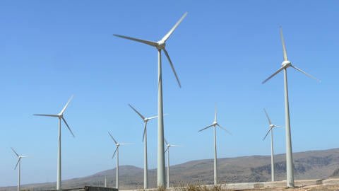 Wind-turbines rotating ビデオ