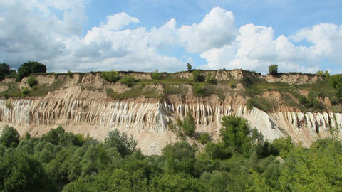 Cretaceous quarry. Landscape with sandy cliffs and beautiful sky ビデオ