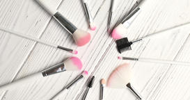 Brushes for makeup in circle 영상물