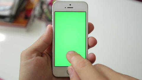 Man Using Phone with Green Screen. Shot on Canon 6D, so you can easily crop. Eas ライブ動画