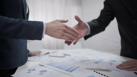 Boss shaking hand of new woman employee at office, successful recruitment deal Live影片