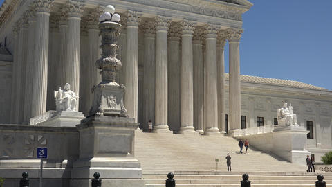 Washington DC: Untied States Supreme Court Building Live Action