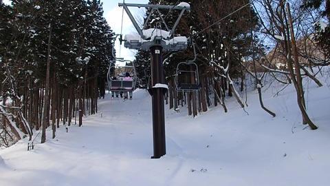 スキー場のリフトで移動 GIF
