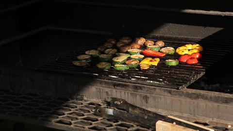 Vegetables are grilled Live Action