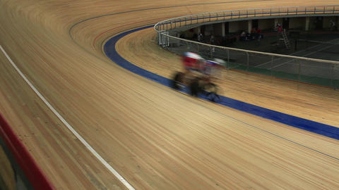 cycling pursuit on the cycle track Live Action