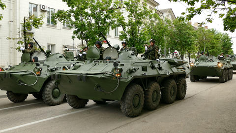 Russian Military Armored Personnel Carriers, Live Action