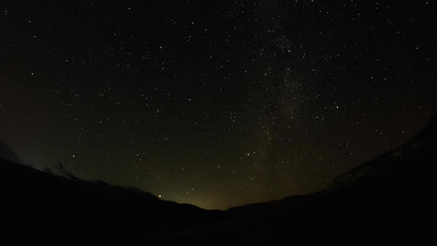 Timelapse from night stars over the valley 영상물