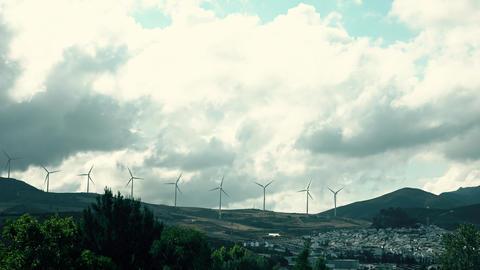 Time lapse of wind generators in mountainous area of Spain. Renewable energy ビデオ