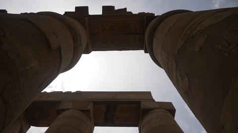 Big columns in Karnak temple in luxor ビデオ