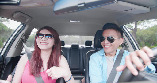 couple go travel in car Live影片