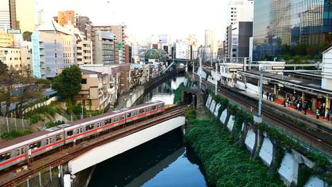 OCHANOMIZU,TOKYO,OCT 2018 : The view from the Hijiribashi Bridge, a rail ビデオ