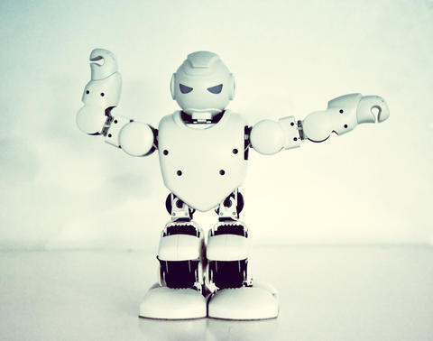 Small cyborg robots, humanoids with face and body dances to music Fotografía