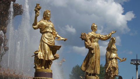 Moscow fountain statues 영상물