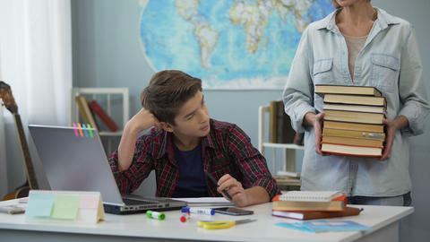 Teenager shocked by number of books for summer reading brought by strict mother Live Action