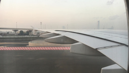 DUBAI - NOVEMBER 22, 2015: Dubai airport exterior. The city attracts 14 million  Footage