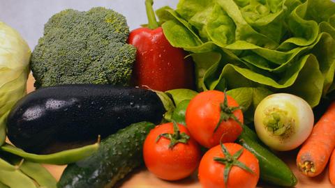 Panning Shot Of Healthy Vegetables Archivo