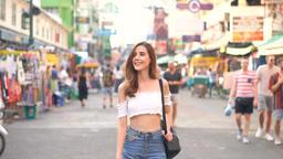 Travel Tourist Happy Soi Khaosan Road, Bangkok Thailand Archivo