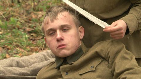 The wounded in the head soldiers Stock Video Footage