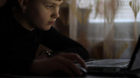 girl and laptop Stock Video Footage